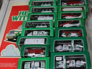lOT OF 21 HESS MINIATURES CARS  TRUCKS  PlANES