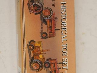 HISTORICAl TOY TRACTOR SET ERTl