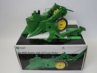 JOHN DEERE PRECISION ClASSICS 4020 WITH 237 CORN