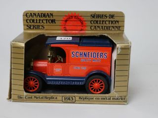 SCHNEIDERS 1913 MODEl T FORD BANK 1 25 ERTl