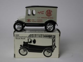 IH 1920 TRUCK BANK 1 25 SCAlE MODElS
