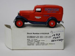 SCHNEIDERS 1932 FORD DElIVERY BANK ERTl 7