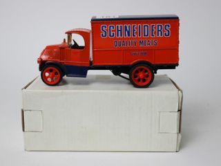SCHEIDERS 1926 BUll DOG MAC TRUCK BANK ERTl 7