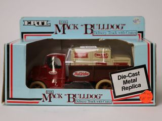 TRUE VAlUE 1926 MAC BUllDOG DElIVERY TRUCK BANK