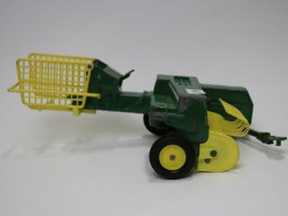 JOHH DEERE SQUARE BAlER ERTl 1 16 PAINT lOSS