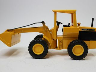 JOHN DEERE PAY lOADER ERTl 1 16