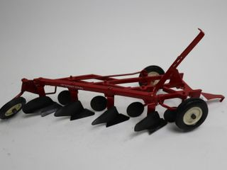 INTERNATIONAl 4 FURROW DRAG PlOW ERTl 1 16