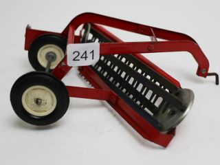 INTERNATIONAl HAY RAKE ERTl 1 16