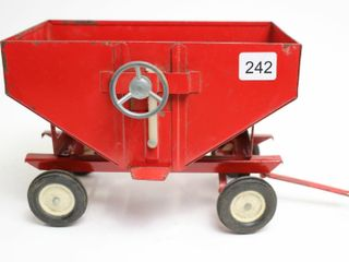 INTERNATIONAl GRAVITY WAGON ERTl 1 16