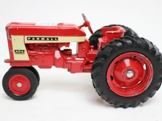 FARMAll 404 NARROW FRONT TRACTOR ERTl 1 16