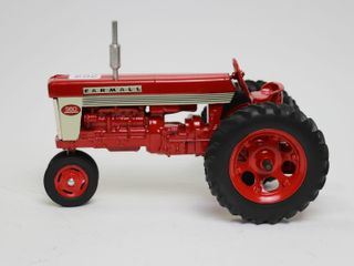 FARMAll 560 TRACTOR MADE IN USA 1 16
