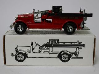 BUBlIQUE FIRE DEPT 1926 SEAGRAVE FIRE TRUCK BANK