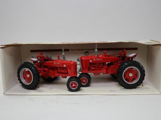 FARMAll SUPER H AND M TRACTOR SET SPECIAl EDITION