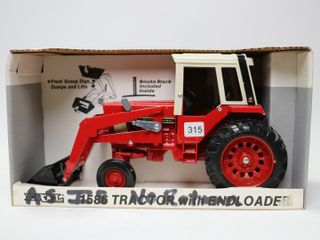 INTERNATIONAl 1586 TRACTOR WITH lOADER ERTl 1 16