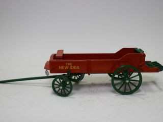 NEW IDEA HORSE DRAWN MANURE SPREADER 1 16