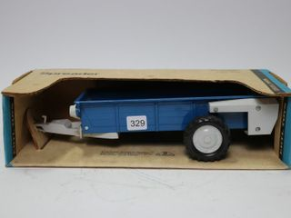 FORD MANURE SPREADER ERTl 1 16