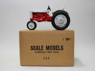 FORD 900 NARROW FRONT TRACTOR SCAlE MODElS 1 16