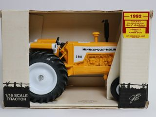 MINNEAPOlIS MOlINE G 940 TRACTOR 1992 TOY SHOW