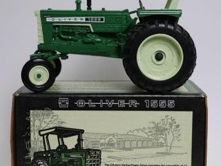 OlIVER 1555 TRACTOR COMMEMERATIVE EDITION