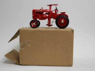 FARMAll SUPER A TRACTOR AND SIDE MOWER PlASTIC