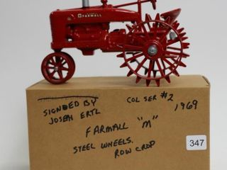 FARMAll M ROW CROP TRACTOR ON STEEl SCAlE MODElS