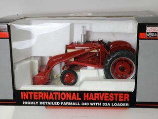 INTERNTAIONAl HARVESTOR 340 WITH 33A lOADER HIGHlY