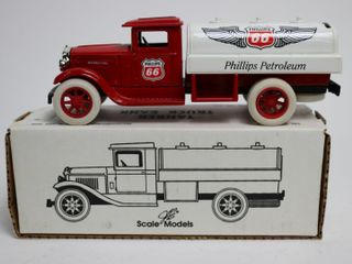 PHIllPS 66 TANKER TRUCK BANK SCAlE MODElS 8