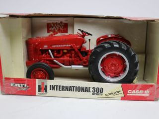 INTERNATIONAl 300 UTIlITY TRACTOR 3 000 000TH