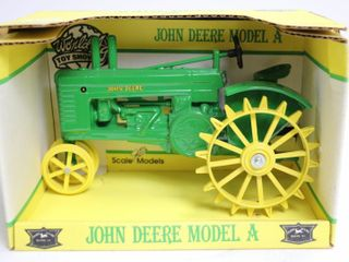 JOHN DEERE MODEl A TRACTOR WORlD TOY SHOW