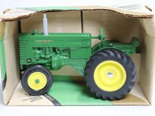 JOHN DEERE MODEl M TRACTOR COllECTOR EDITION ERTl