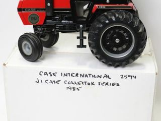 CASE INTERNATIONAl 2594 TRACTOR CASE COllECTOR