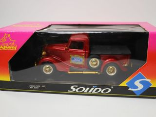FORD PICK UP CUSTOM METAl TRUCK SOlIDO 9