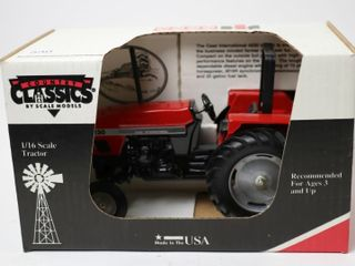CASE INTERNATIONAl 4230 TRACTOR SCAlE MODElS 1 16