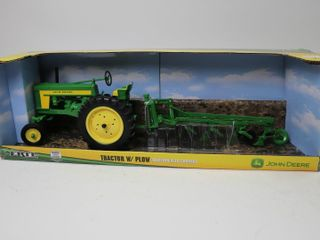 JOHN DEERE TWO CYlINDER TRACTOR AND PlOW ERTl