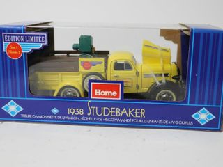 HOME HARDWARE 1938 STUDEBAKER TRUCK BANK 1 25