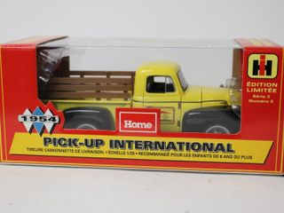 HOME HARDWARE 1954 INTERNATIONAl PICKUP BANK 1 25