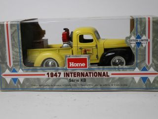 HOME HARDWARE 1947 INTERNATIONAl KB SERIES BANK