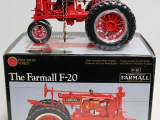FARMAll F 20 PRECISION SERIES TRACTOR  4