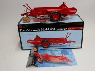MCCORMICK MODEl 200 PRECISION SERIES SPREADER  9