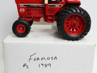 INTERNATIONAl 1086 TRACTOR 2ND FORMOSA TOY SHOW