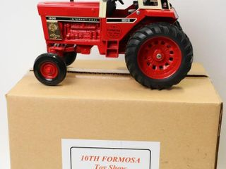 INTERNATIONAl1586 TRACTOR 10TH FORMOSA TOY SHOW
