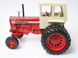 INTERNATIONAl 1456 TURBO TRACTOR ERTl 1 16