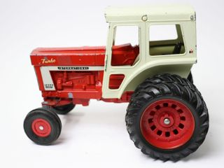 INTERNATIONAl 1466 TURBO TRACTOR WITH DUAlS ERTl