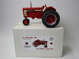 FARMAll 806 TRACTOR 1991 WOODSTOCK TOY SHOW