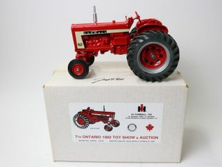 FARMAll 706 TRACTOR 1992 WOODSTOCK TOY SHOW