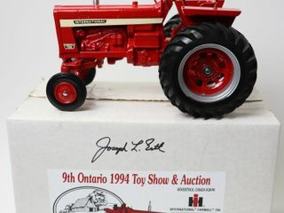 INTERNATIONAl 756 TRACTOR 1994 WOODSTOCK TOY