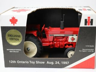INTERNATIONAl 684 TRACTOR 1997 WOODSTOCK TOY