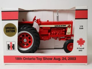FARMAll 806 TRACTOR 2003 WOODSTOCK TOY SHOW