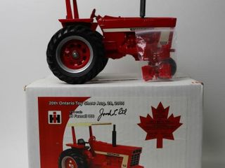 INTERNATIONAl 966 NARROW FRONT TRACTOR WITH