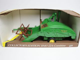 JOHN DEERE 1940 12 A PUll TYPE COMBINE 50TH